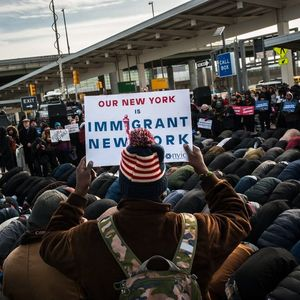 Trump Vows to Fight as Appeals Court Thwarts Immigration Ban